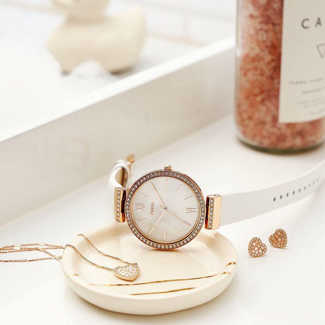 Đồng hồ dây mảnh màu trắng Fossil
