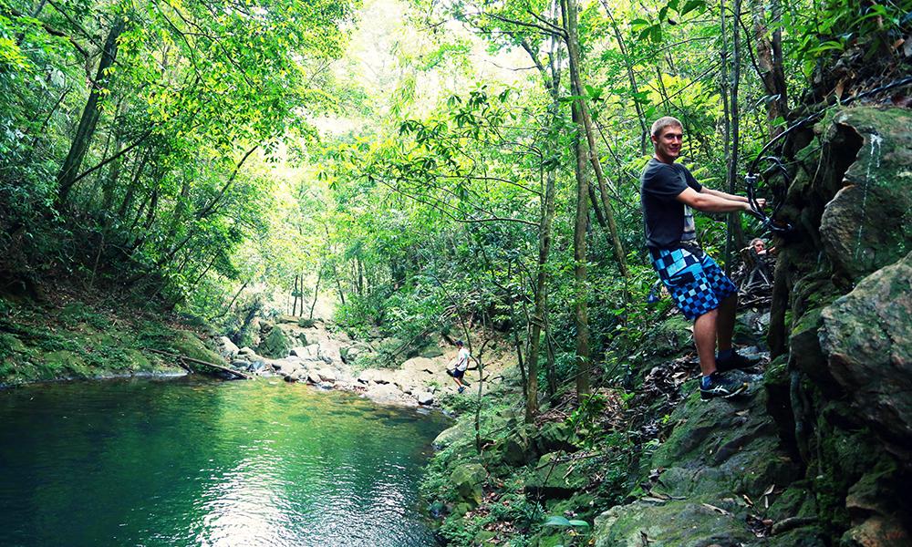 trekking rừng quốc gia bạch mã