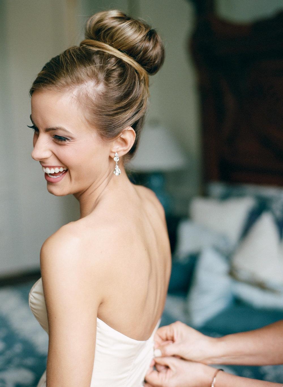tóc búi cô dâu phong cách ballet