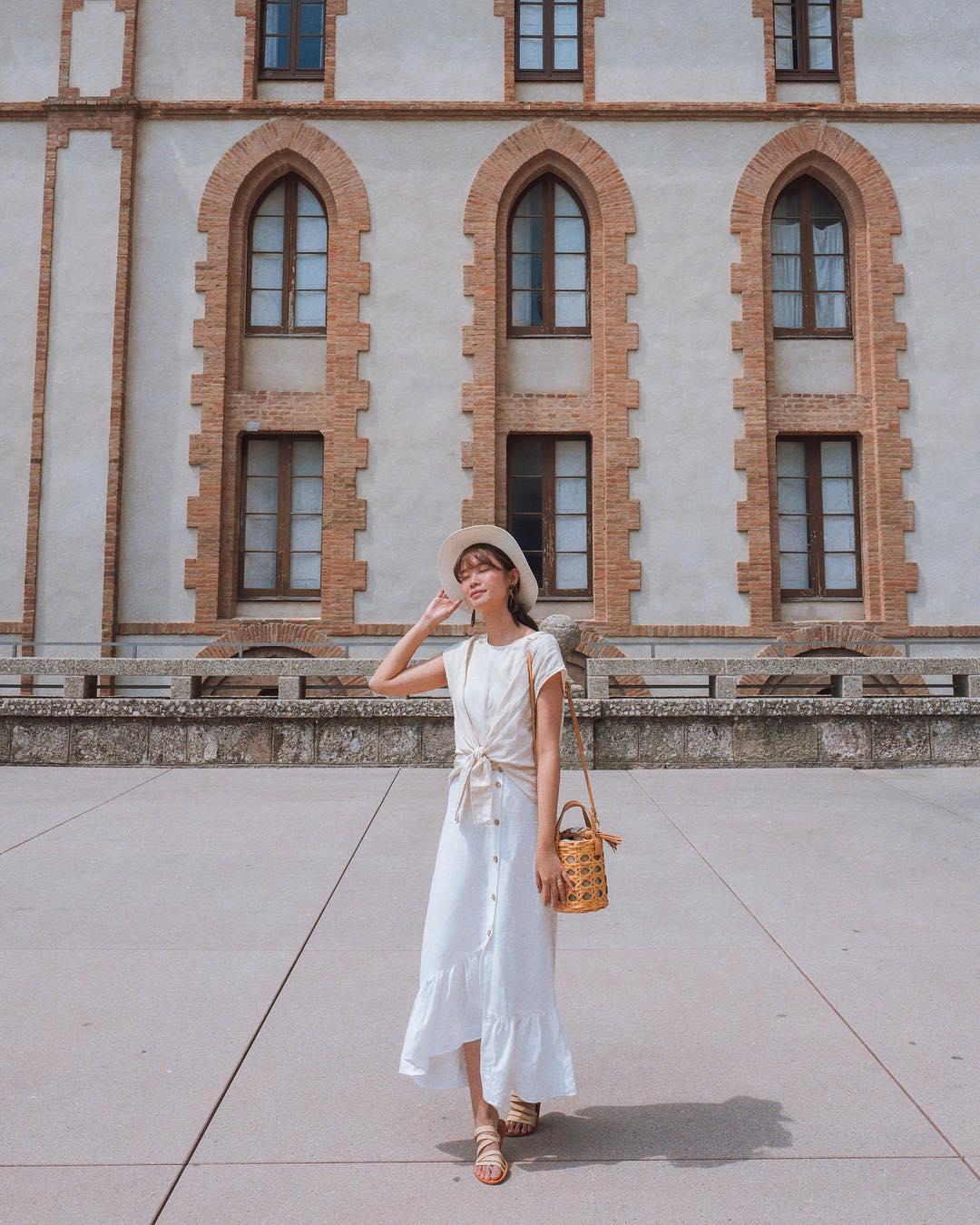 tricia gosingtian mặc chân váy đuôi cá với áo thun trơn