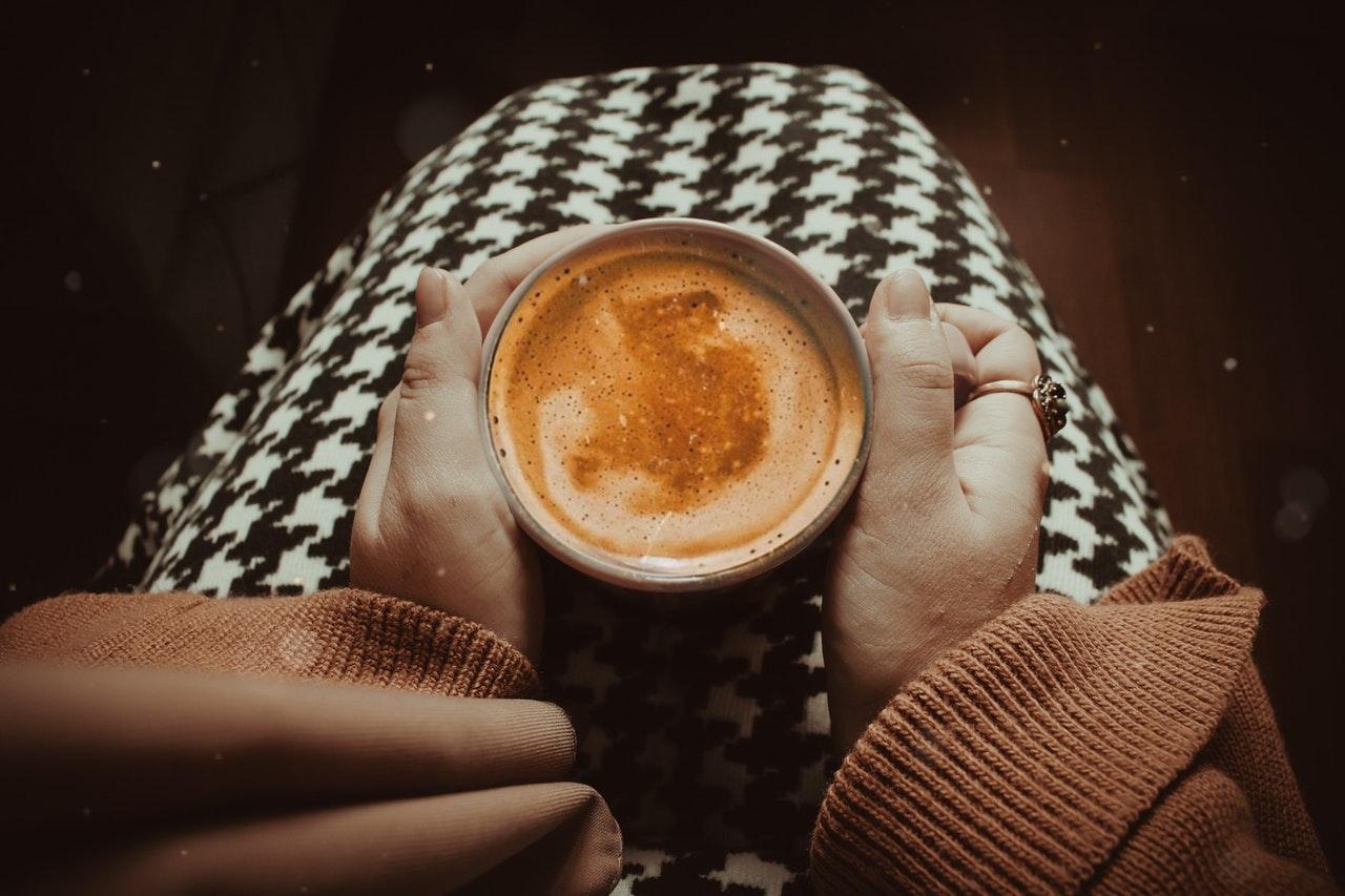 móng tay - latte