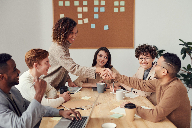 trí thông minh xã hội nhóm người họp