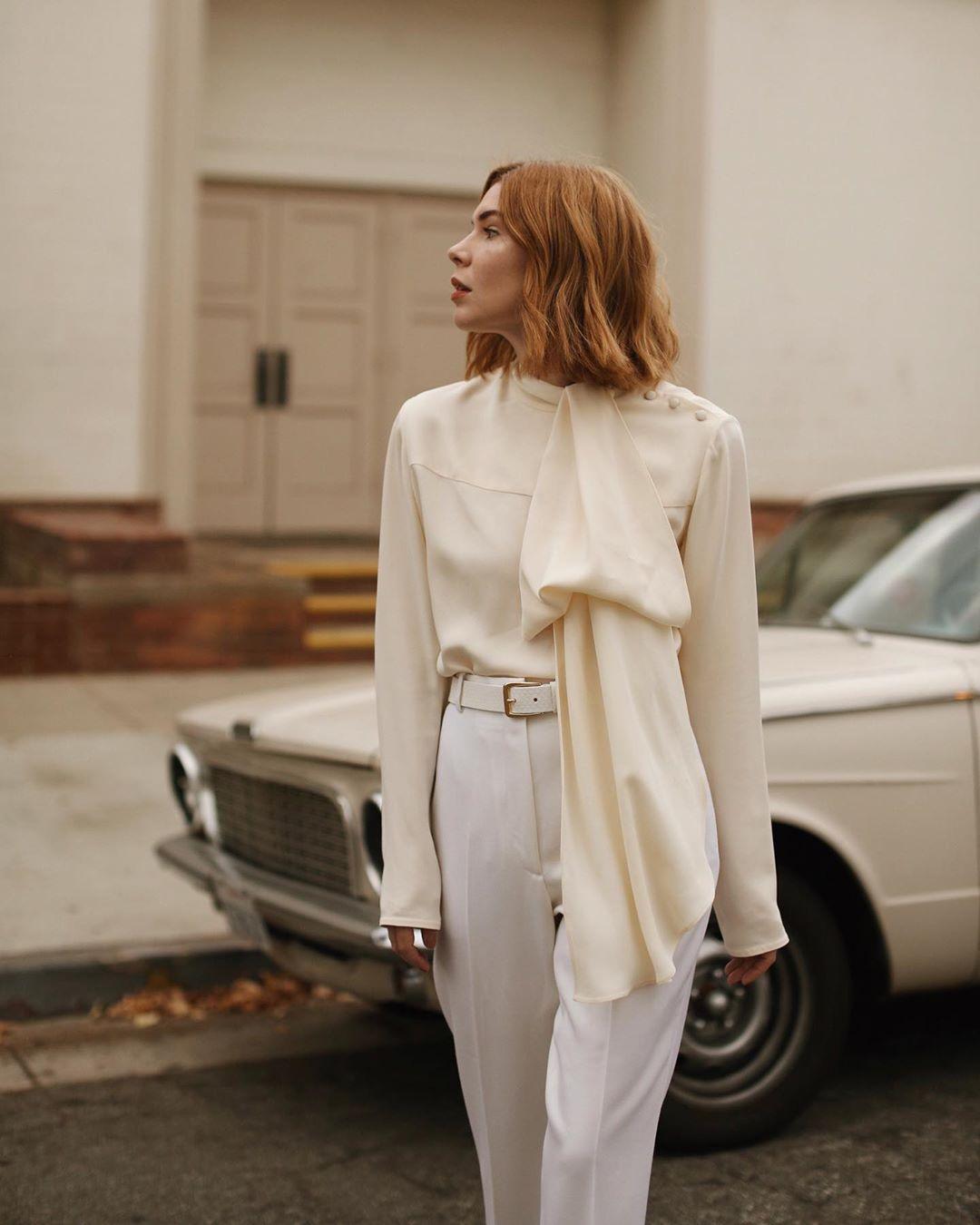 Dress code formal - áo sơ mi voan cổ điển