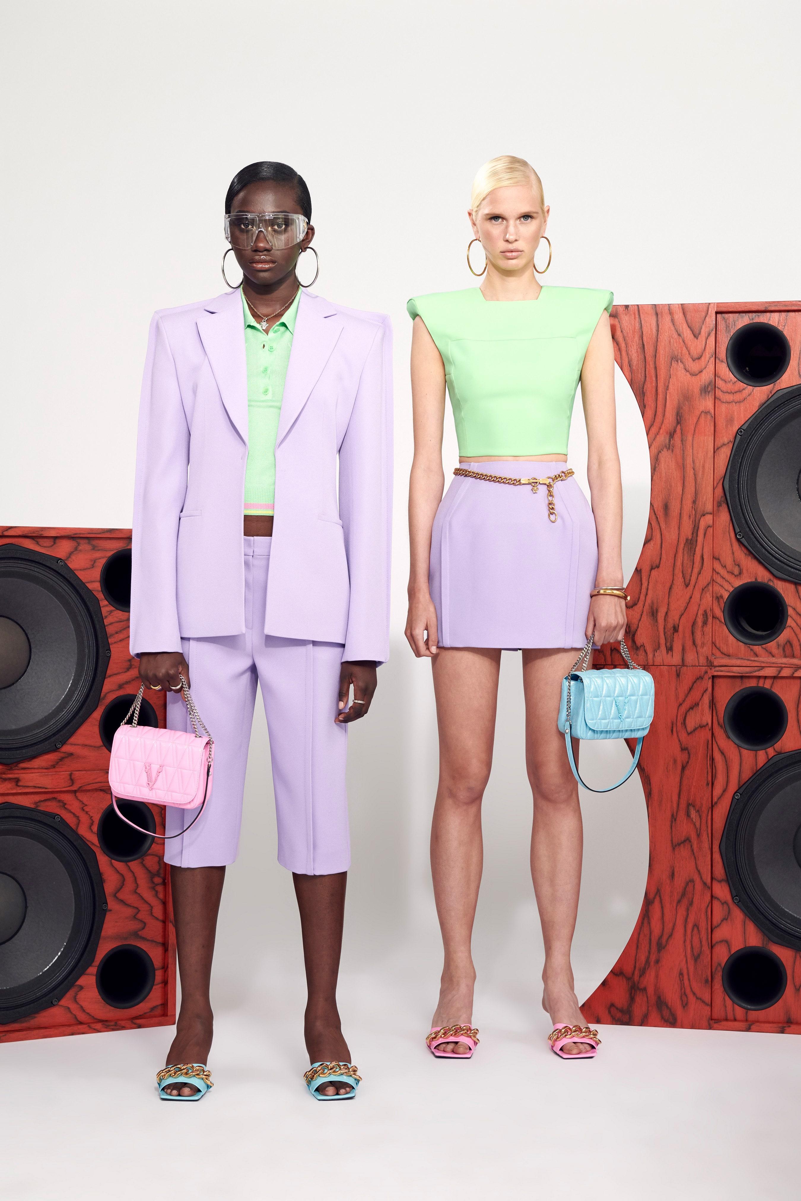 Trang phục màu pastel tím lilac - Versace resort 2021