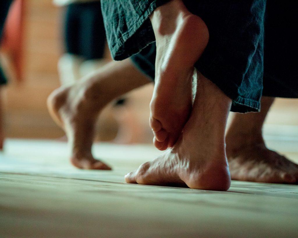 chữa lành bằng chuyển động cơ thể