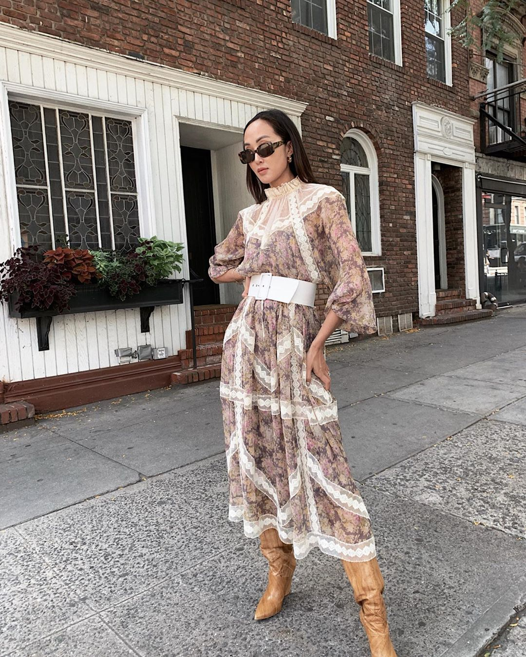 Chriselle Lim mặc đầm xòe voan in hoa