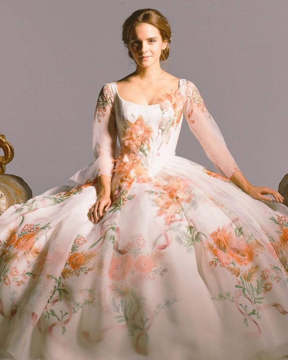 Beauty and the Beast váy cưới hoa của Belle