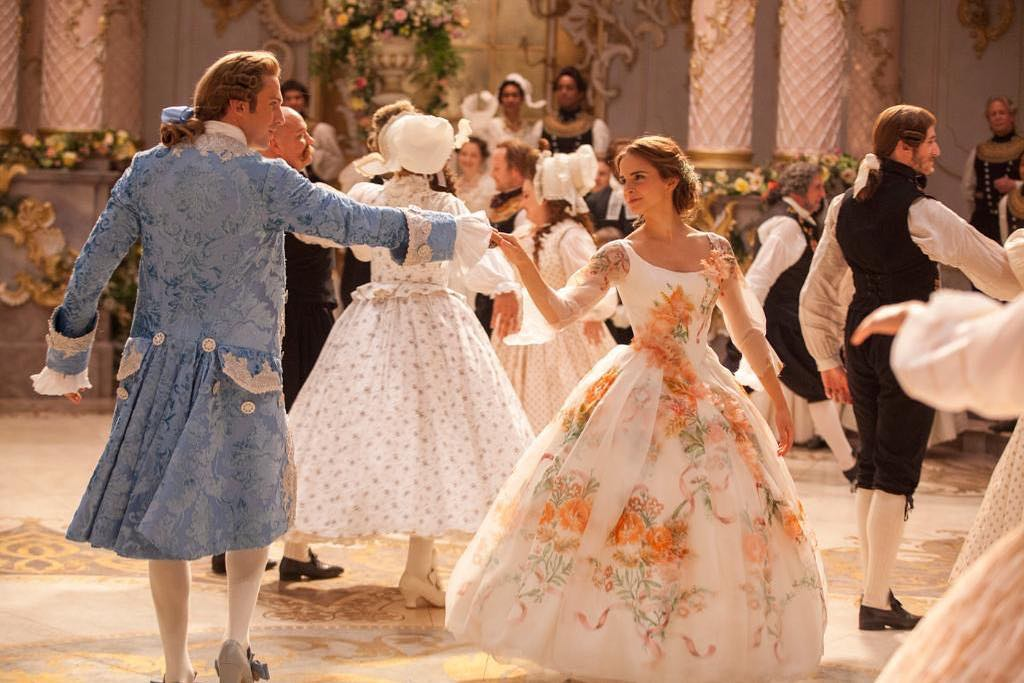 Beauty and the Beast váy cưới hoa của Belle Cottagecore