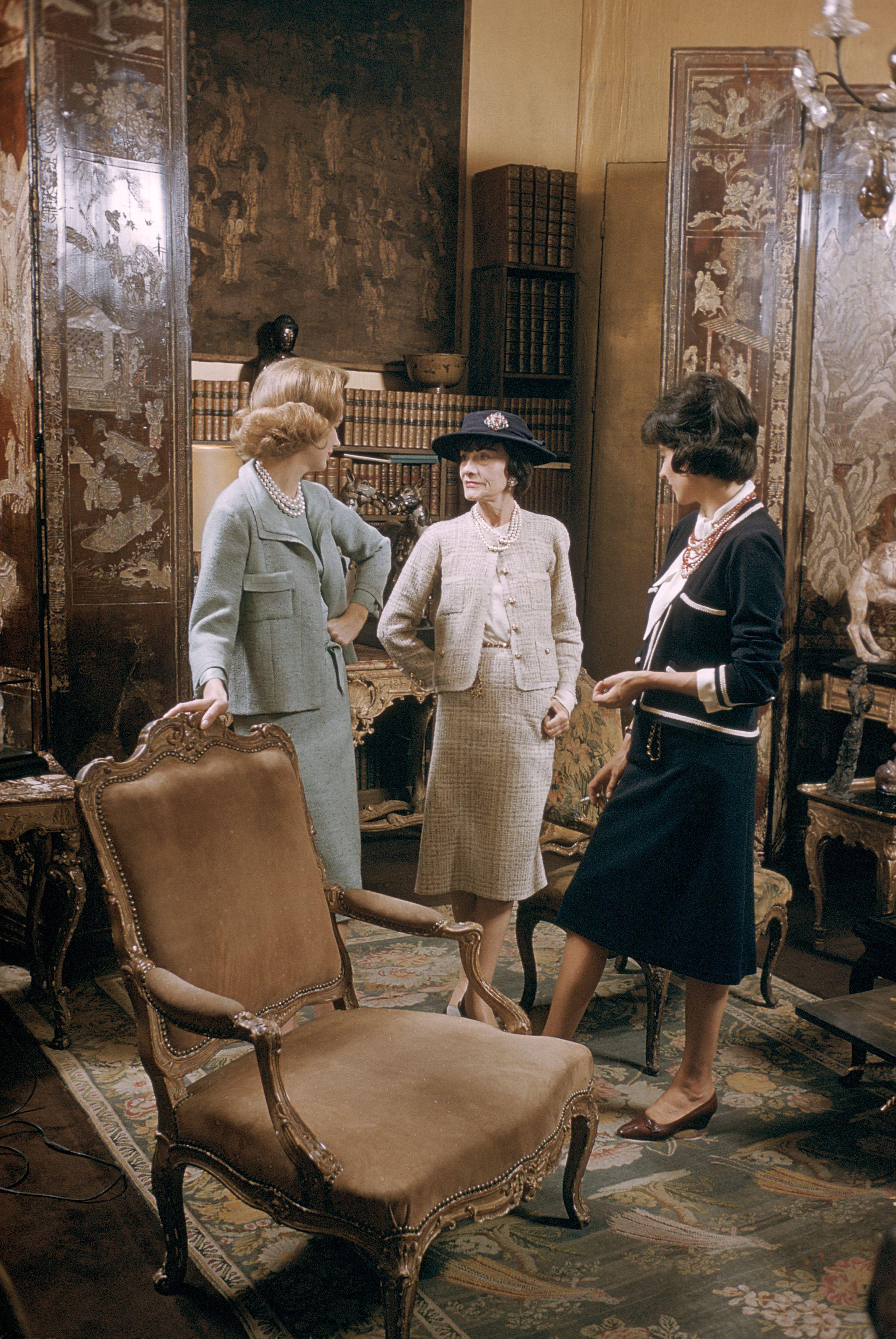 Coco Chanel trong căn hộ tại Pháp năm 1959