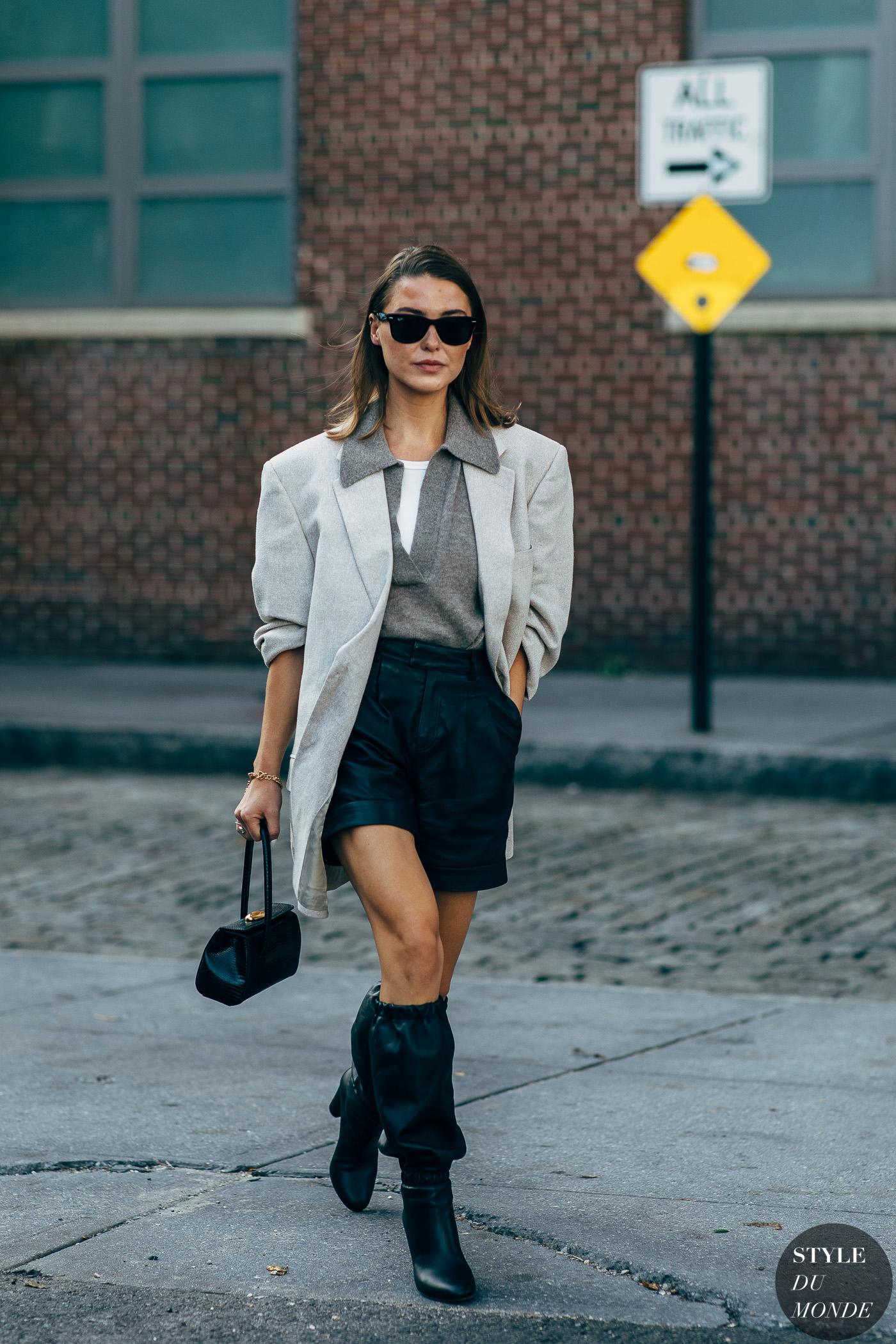Mặc đẹp với blazer xám oversized