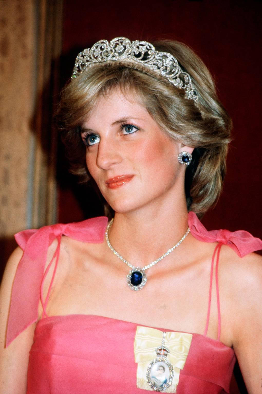 Công nương Diana chọn trang sức đá sapphire theo cung hoàng đạo Xử nữ