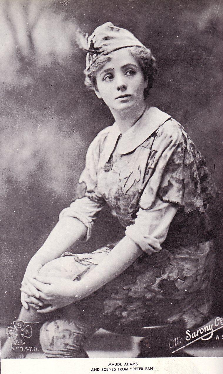 Maude Adams nguồn gốc cổ áo peter pan