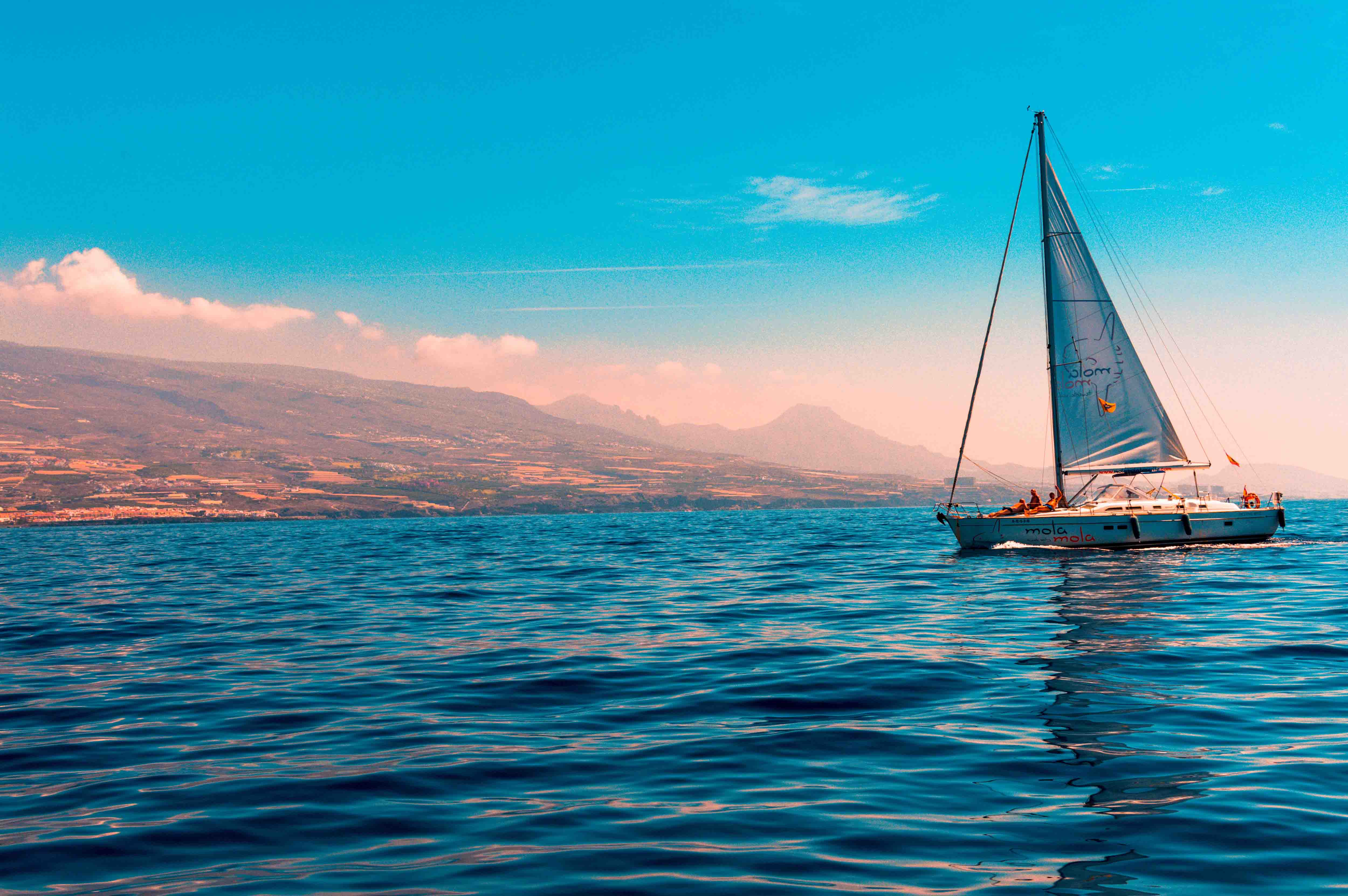 du lịch biển có thuyền