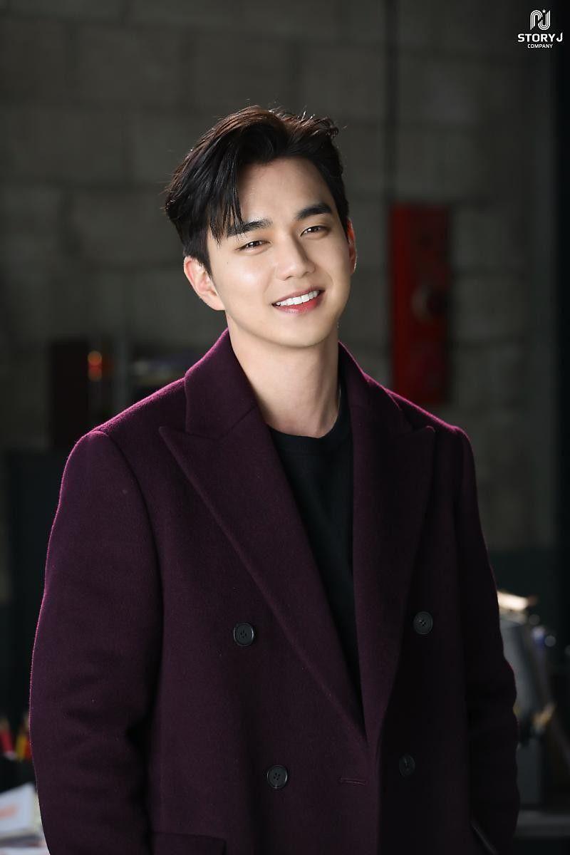 Yoo-SeungHo