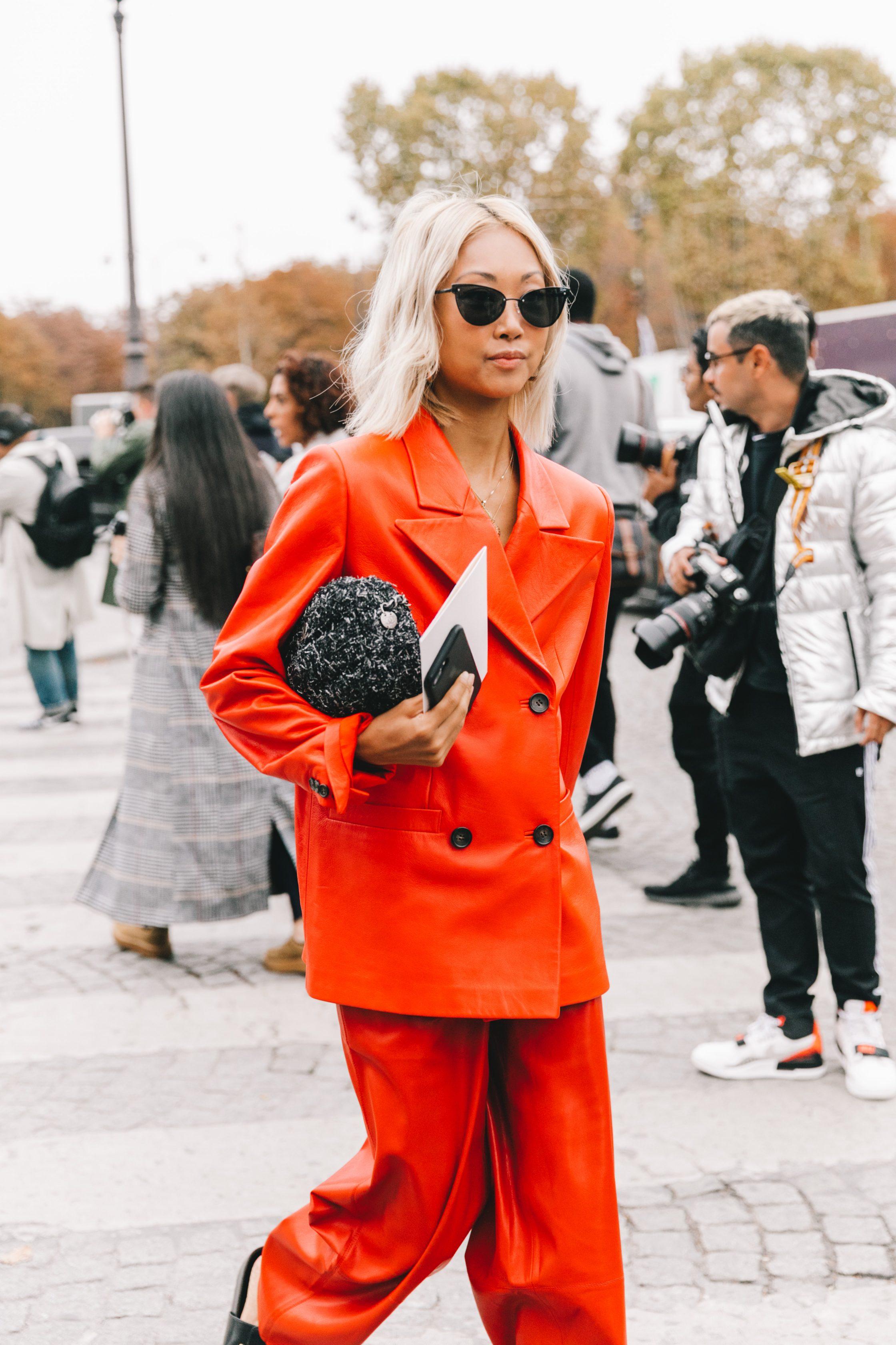 Xu hướng thời trang - âu phục màu cam tươi