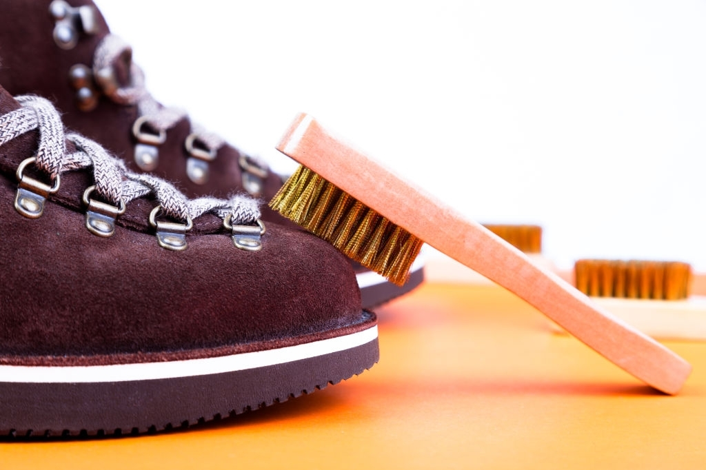 bảo quản đồ da với bàn chải cho giày da lộn