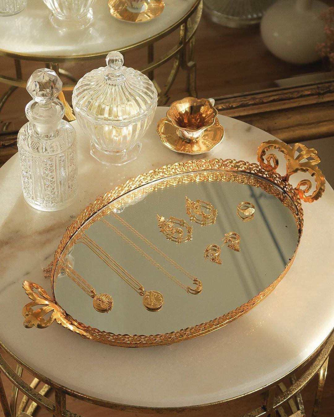 Phụ kiện thời trang cung xử nữ - trang sức cổ điển bằng vàng