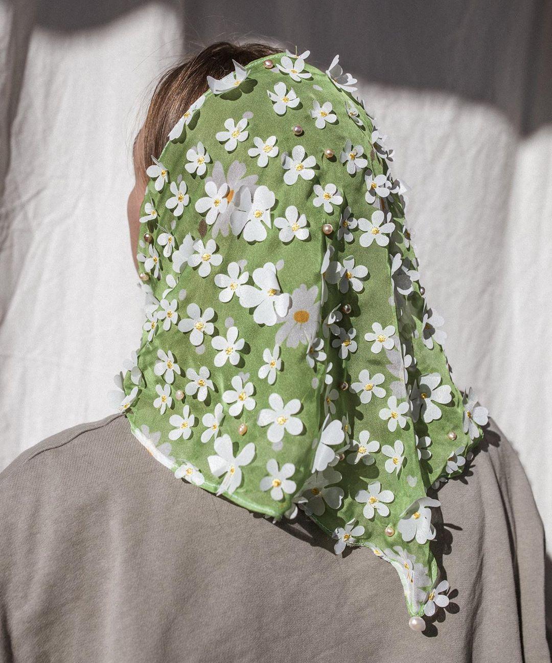Phụ kiện tóc khăn bandana đính hoa
