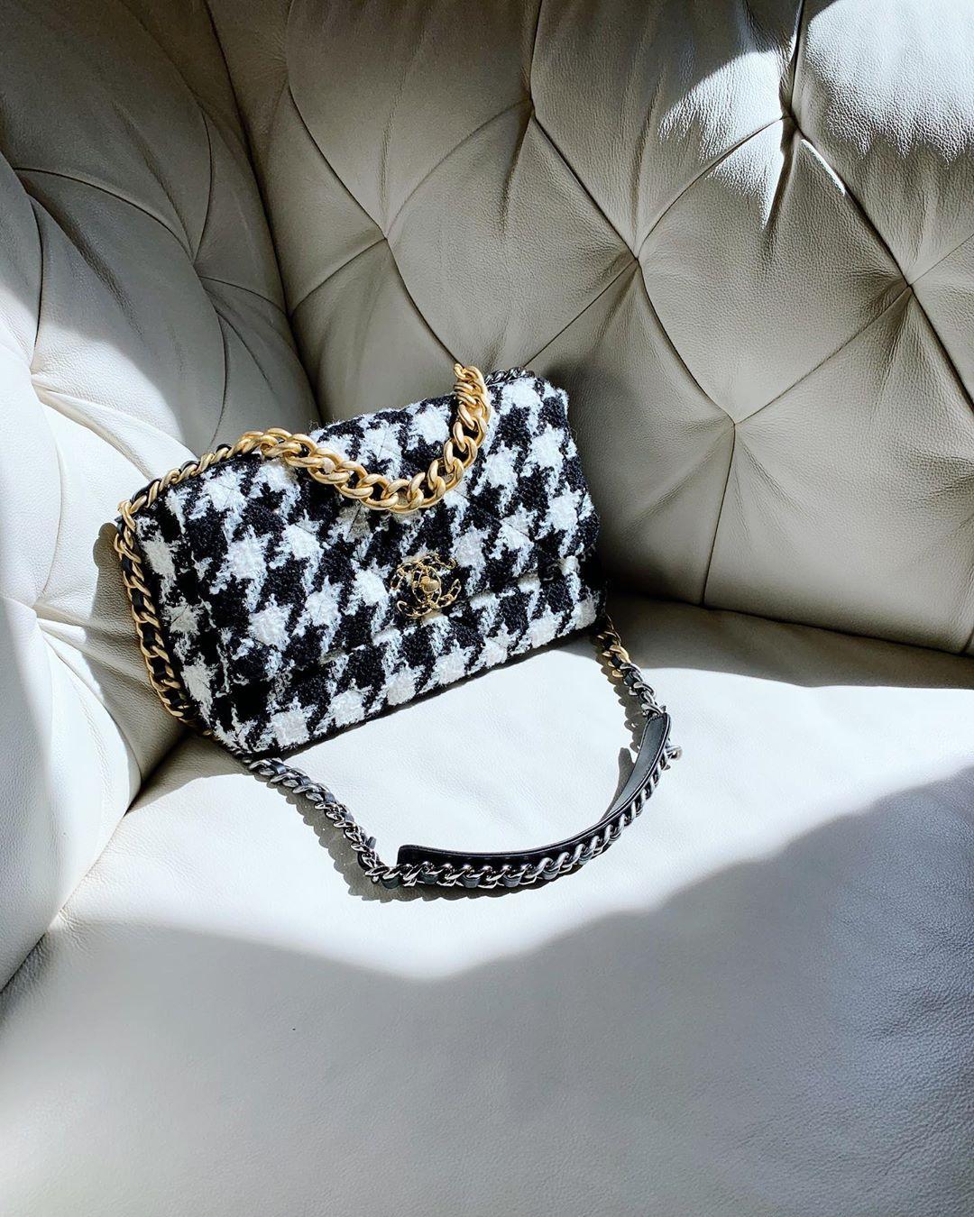 Túi xách Chanel chất liệu tweed