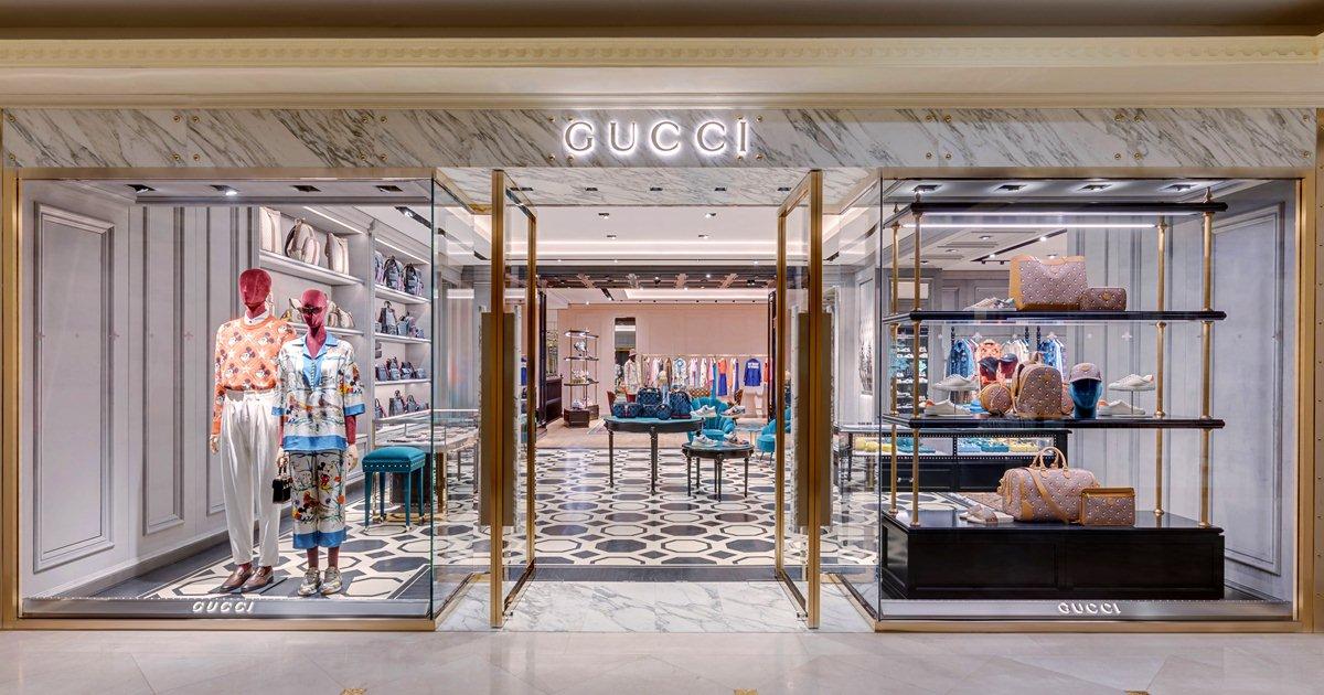 mua túi xách cửa hàng Gucci Tràng Tiền