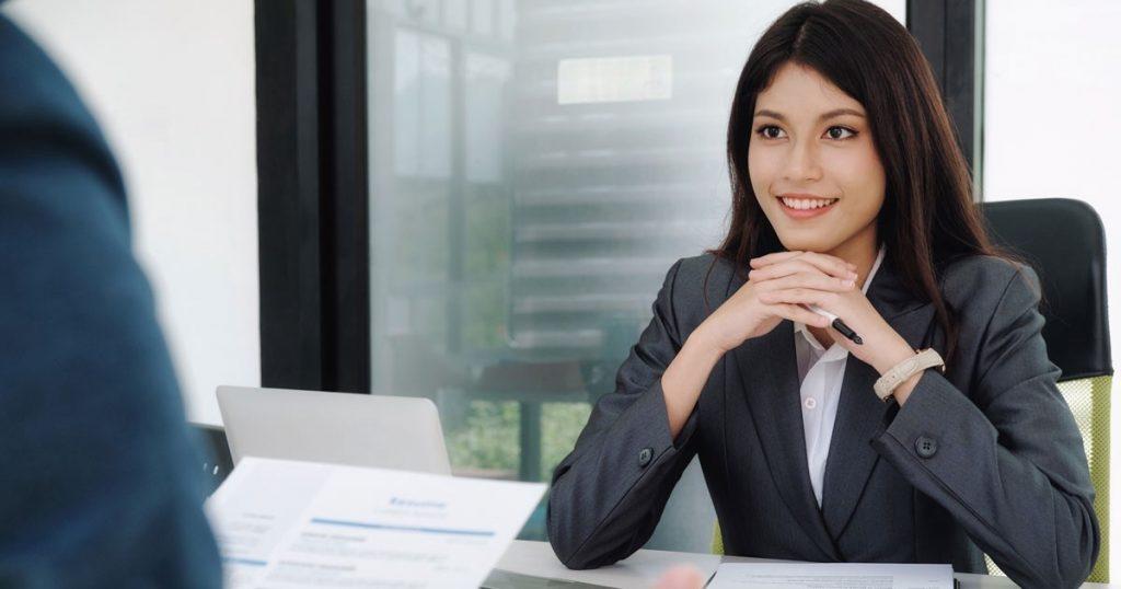 hướng dẫn cách trang điểm khi phỏng vấn