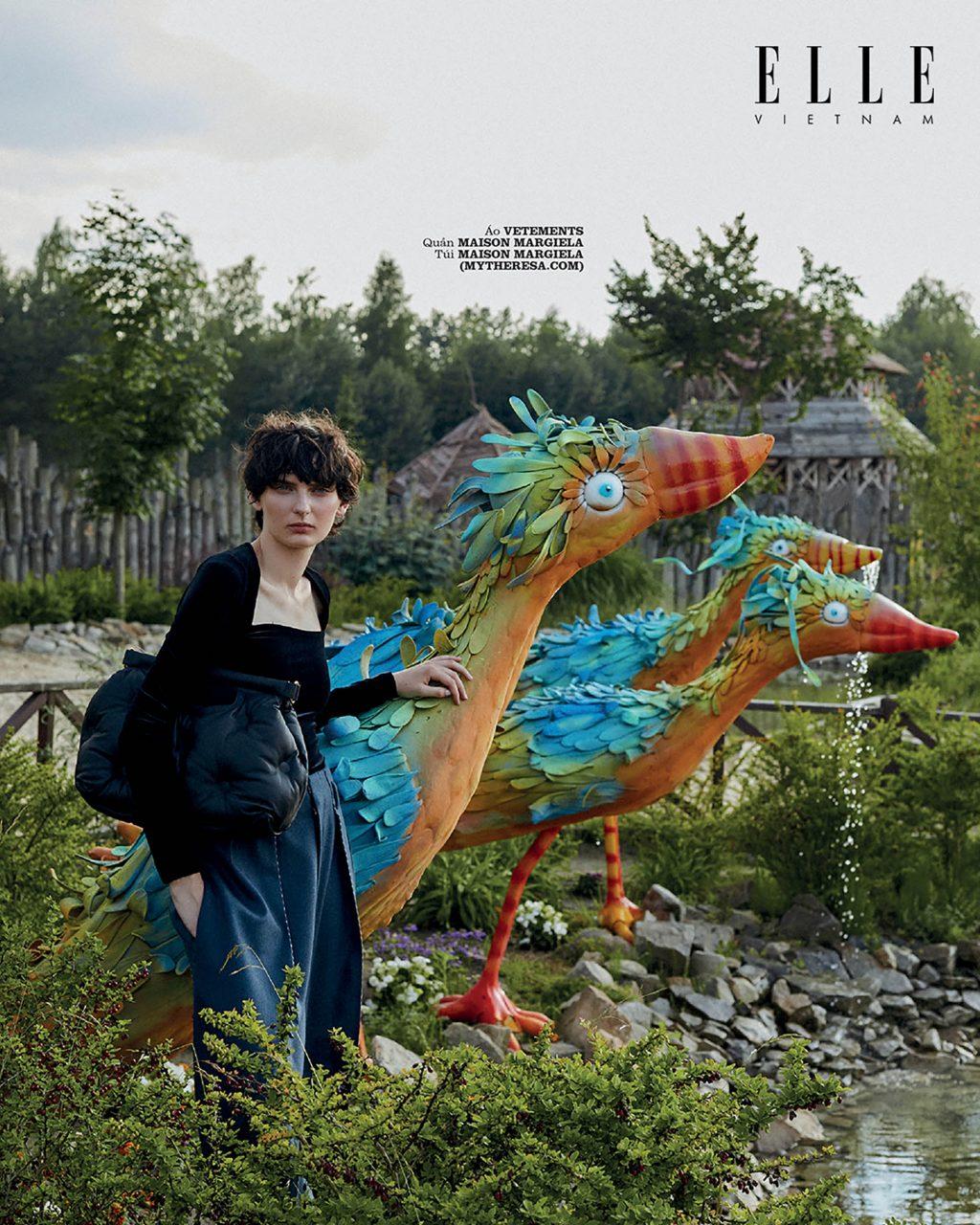 bộ ảnh thời trang wonderland áo Vetements