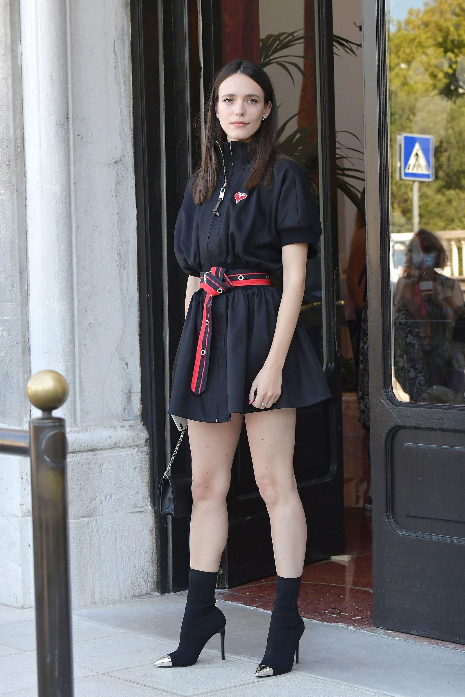 Stacy Martin cùng thời trang thảm đỏ venice