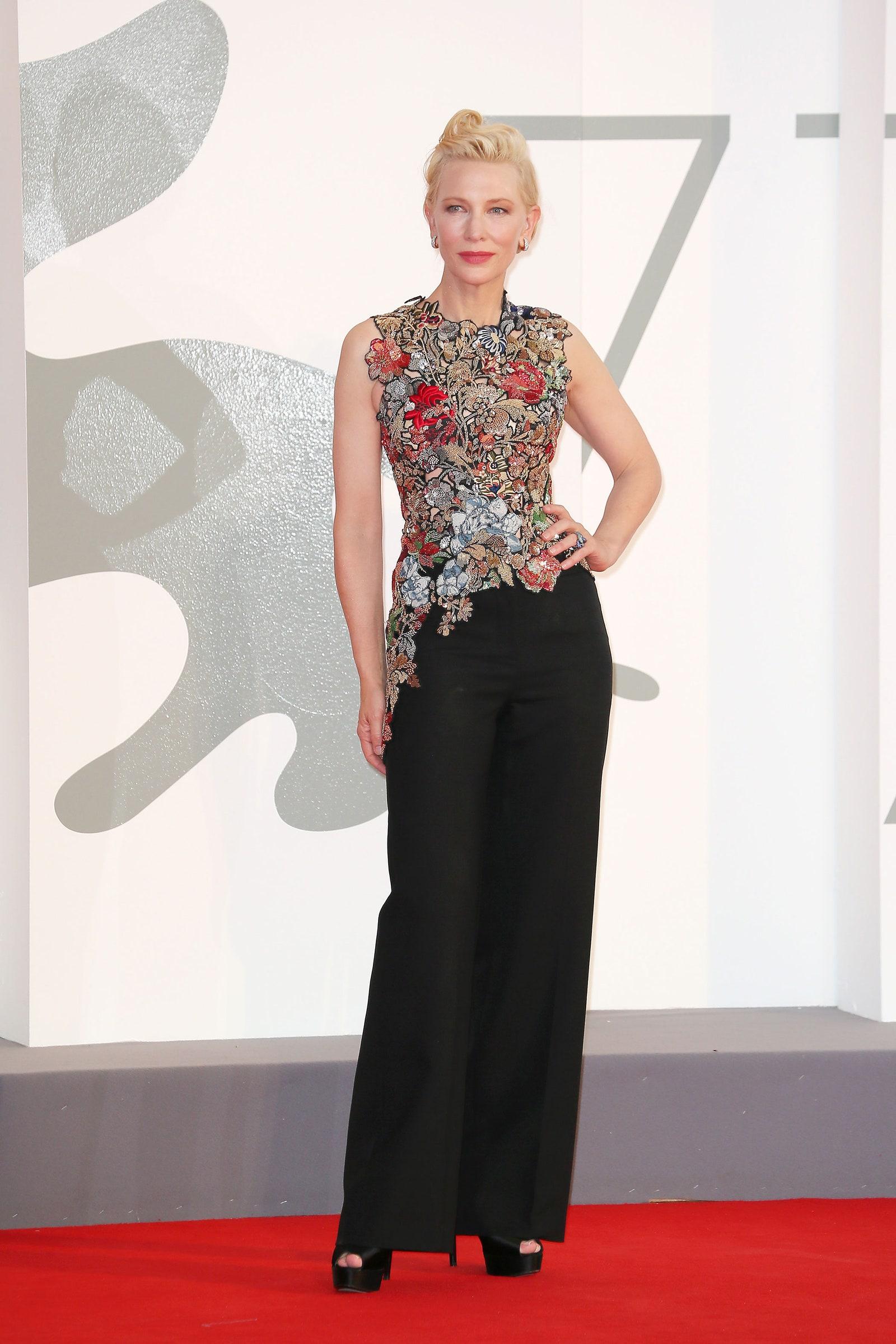 Cate Blancherr cùng thời trang thảm đỏ venice