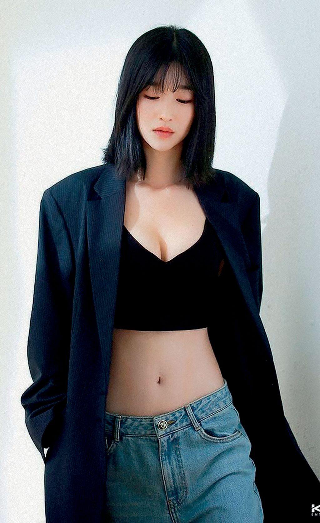 Nữ diễn viên sở hữu thân hình nóng bỏng