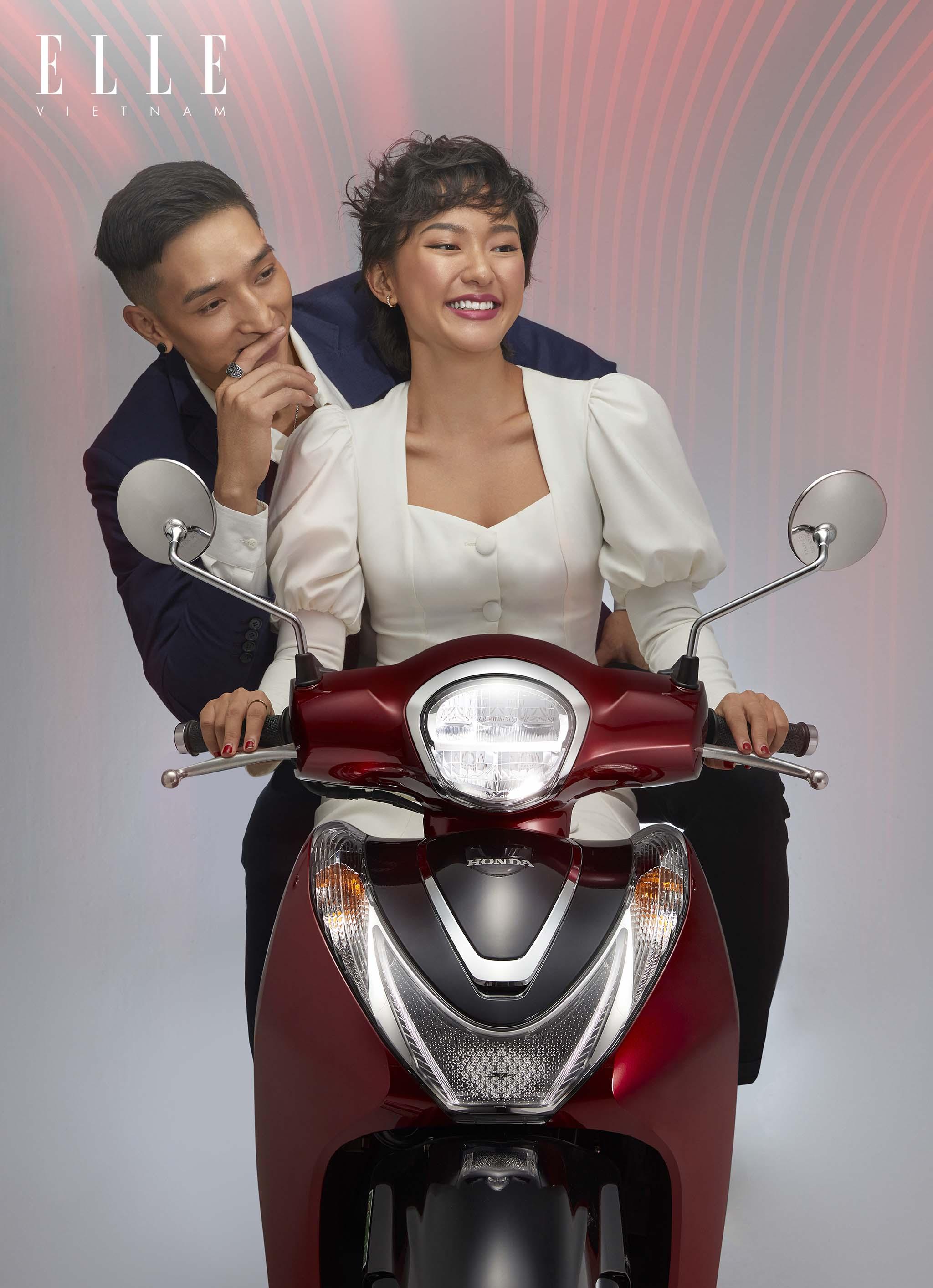 chàng trai và cô gái trên xe sh mode 125cc