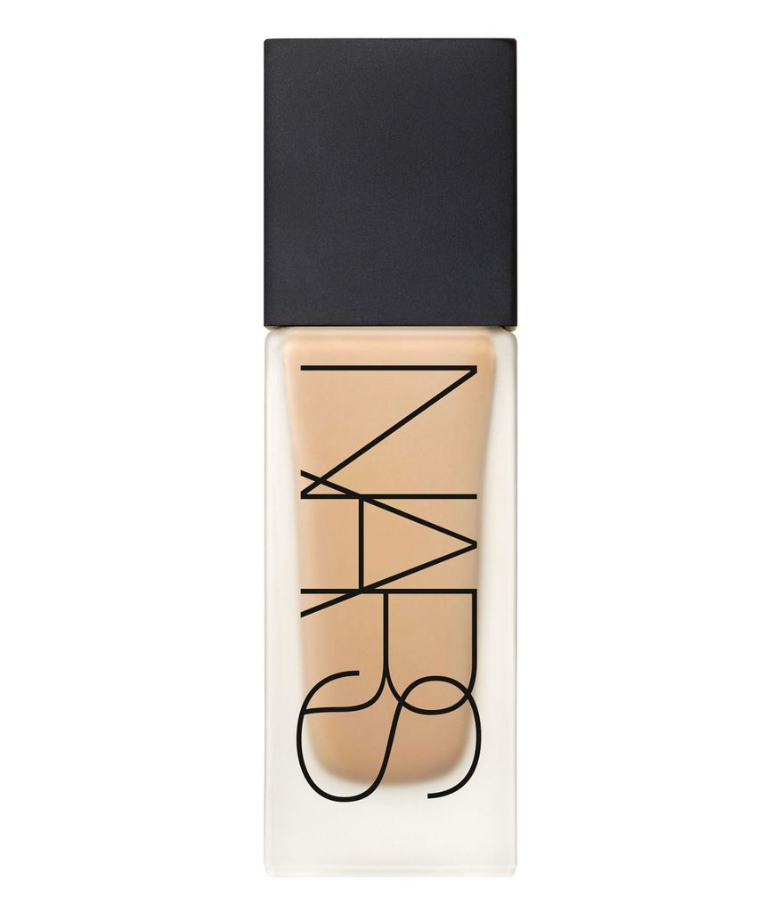 mỹ phẩm NARS All Day Lumninous Weightless Foundation.