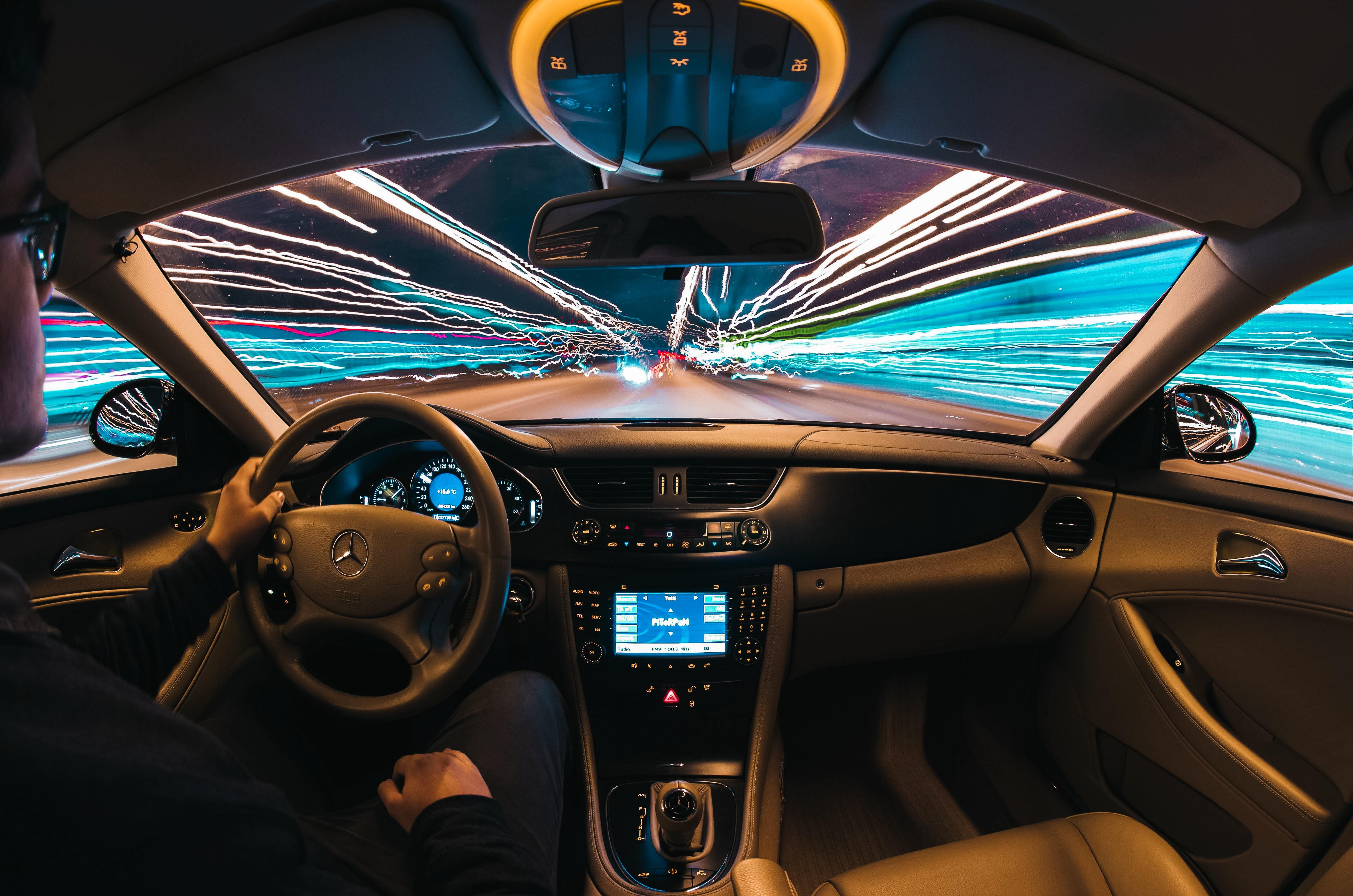 hệ thống theo dõi trong ô tô
