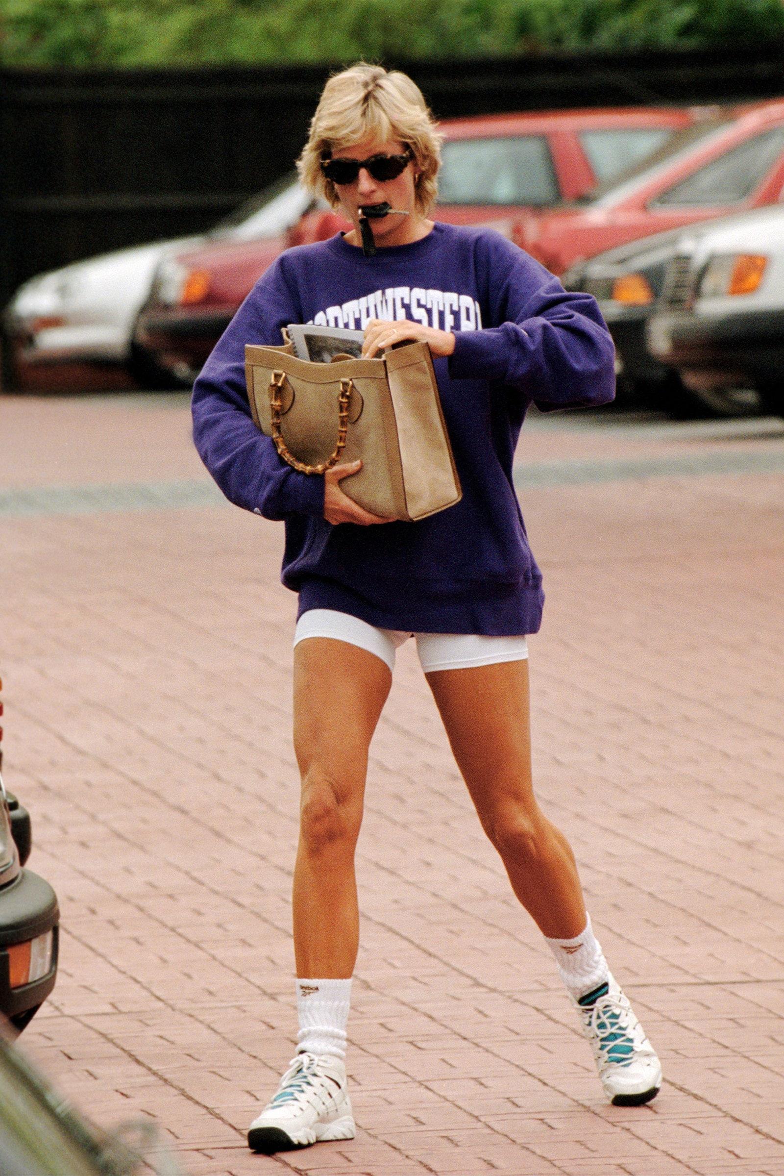 công nương Diana mặc trang phục sporty