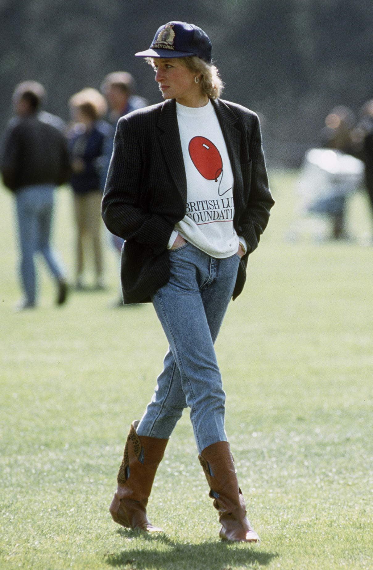 công nưỡng Diana phong cách menswear