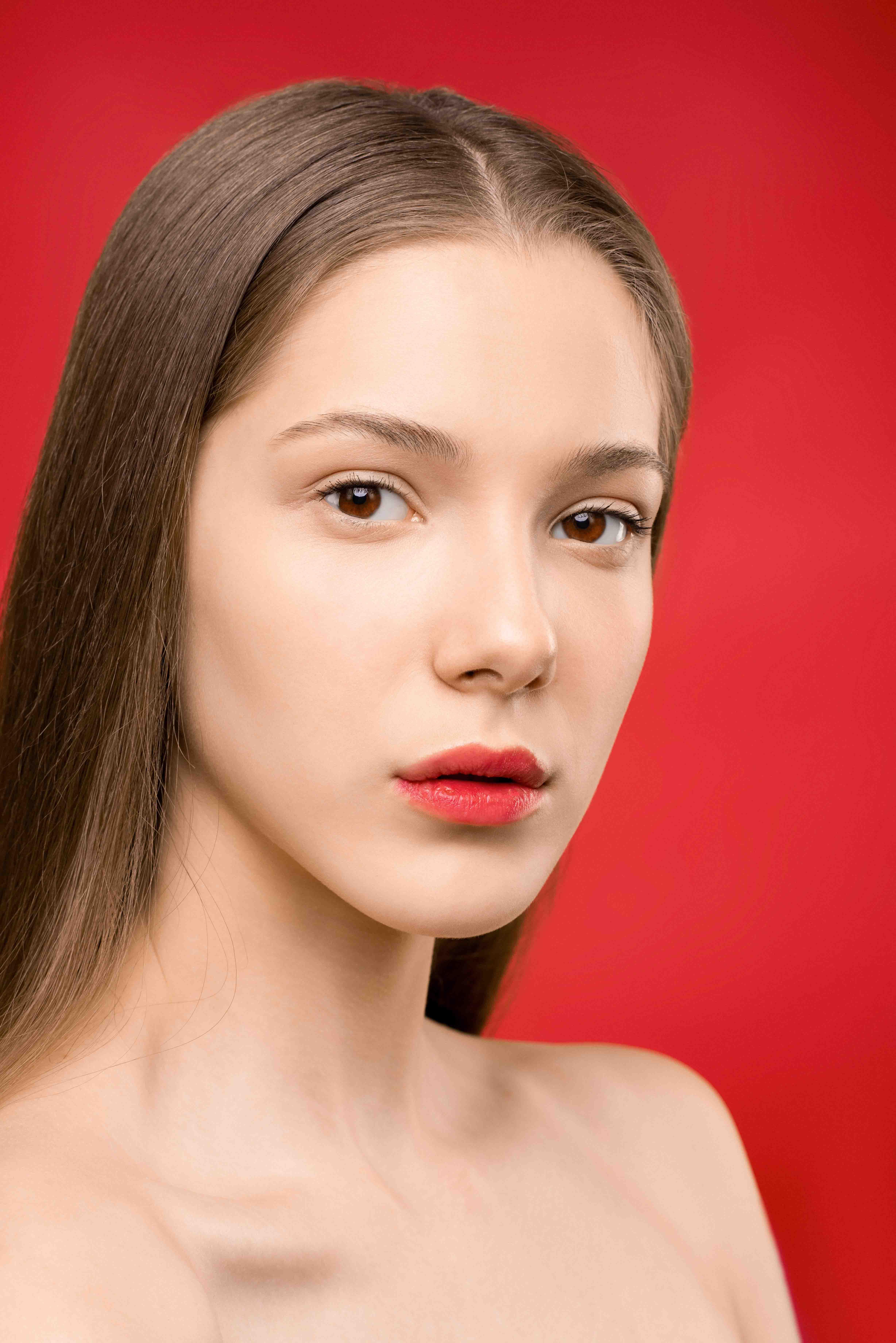 cung hoàng đạo môi đỏ