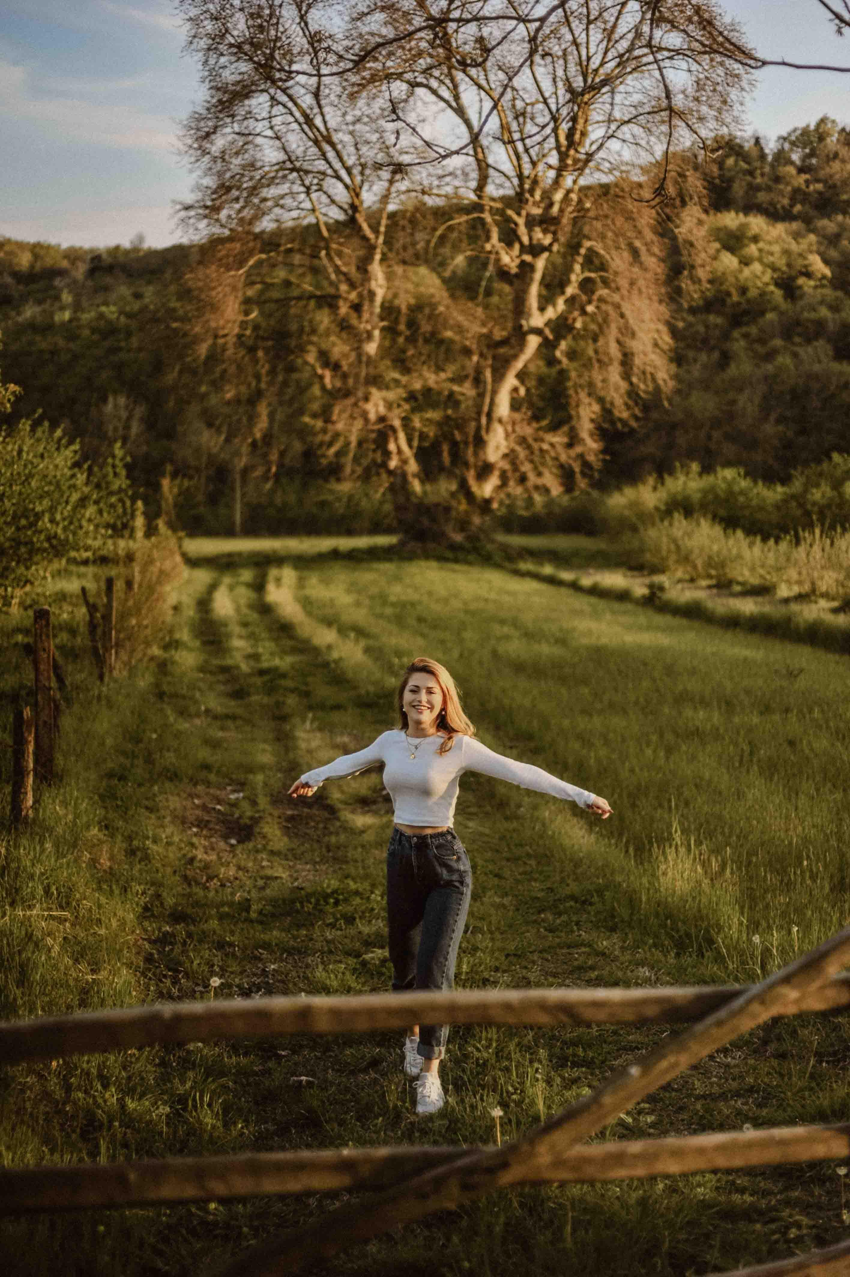 cung hoàng đạo cô gái ở cánh đồng