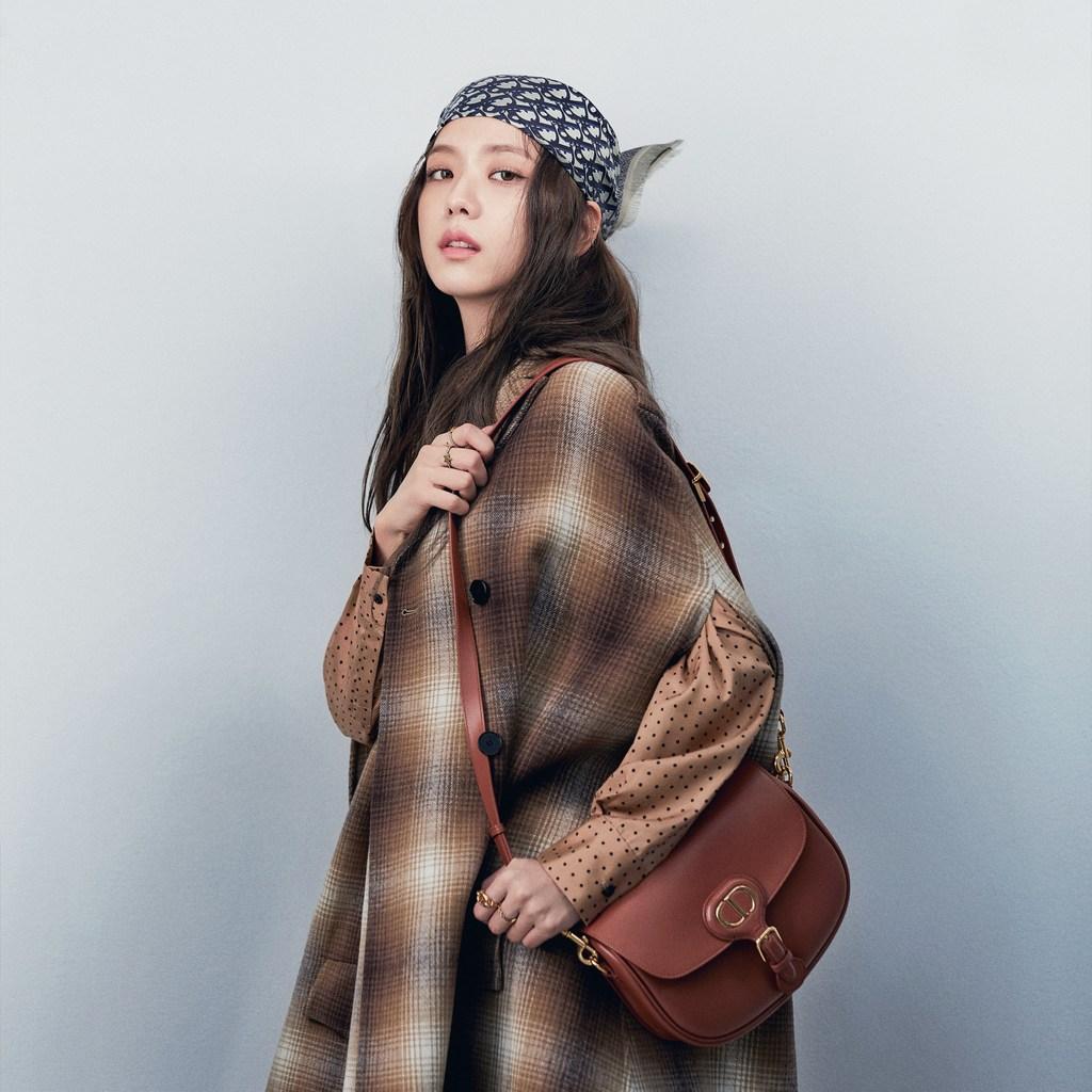 jisoo đại sứ thương hiệu thời trang dior