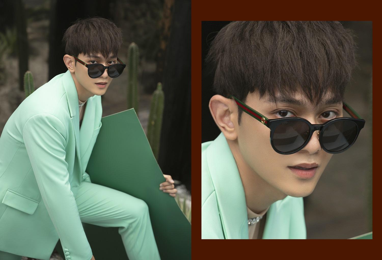 chàng trai mặc áo pastel đeo mắt kính