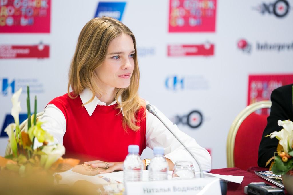 người mẫu thời trang natalia vodianova tại tổ chức naked heart
