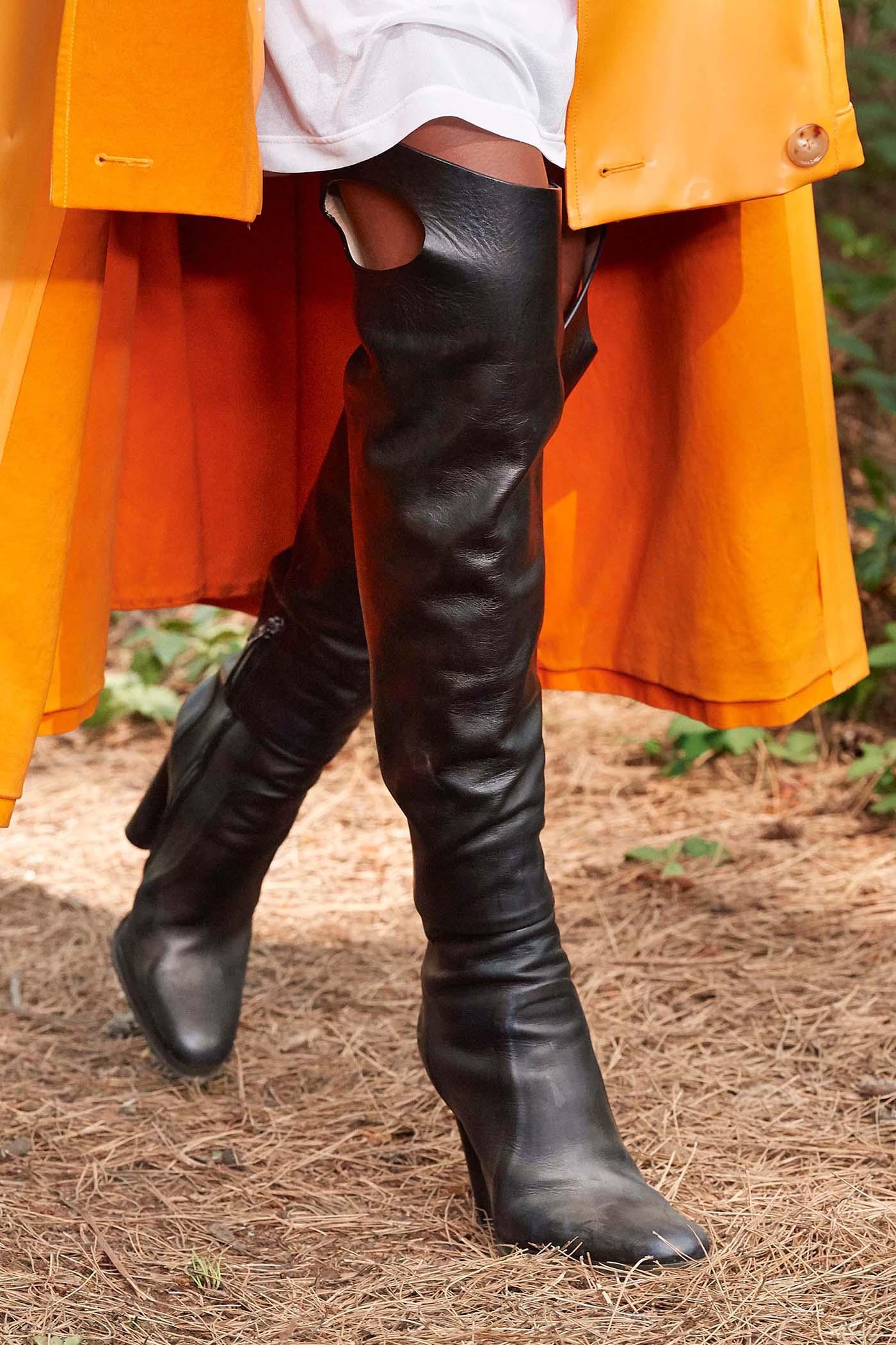BST Xuân Hè 2021 Burberry giày boots