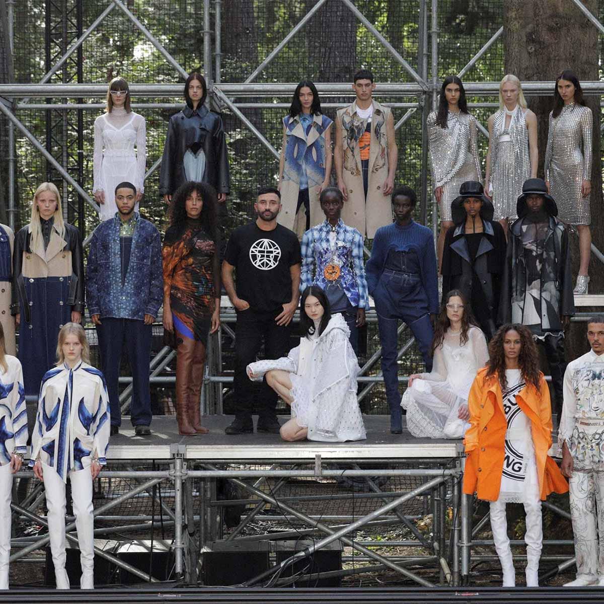 Bộ sưu tập Xuân Hè của Burberry 2021 NTK và toàn bộ người mẫu