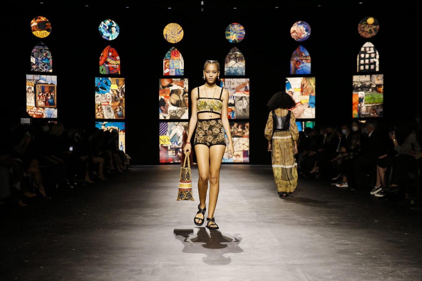 bst Dior xuân hè 2021