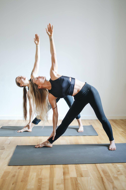Kiên trì luyện tập sẽ giúp cơ bắp săn chắc, xương khớp linh hoạt hơn.
