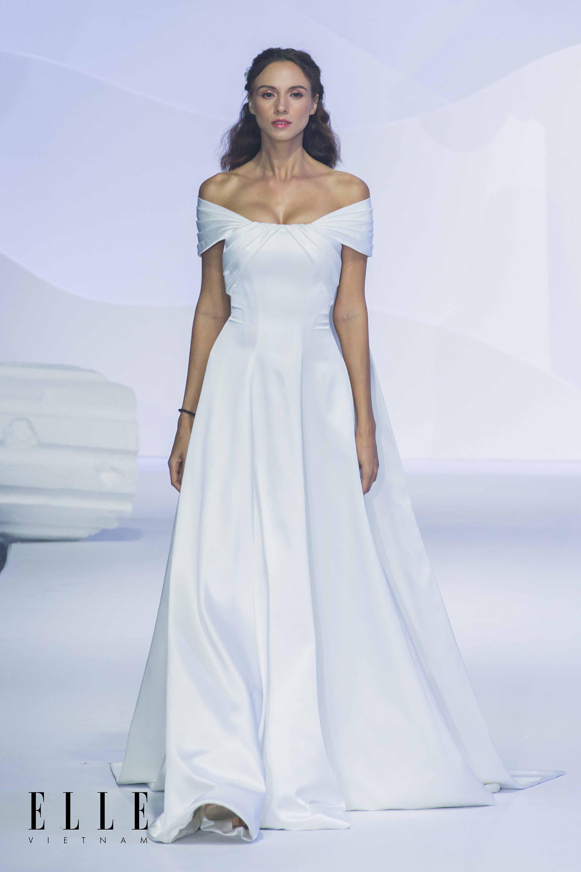 NTK Chung Thanh Phong BST Dear My Princess cùng bộ váy tối giản tinh tế