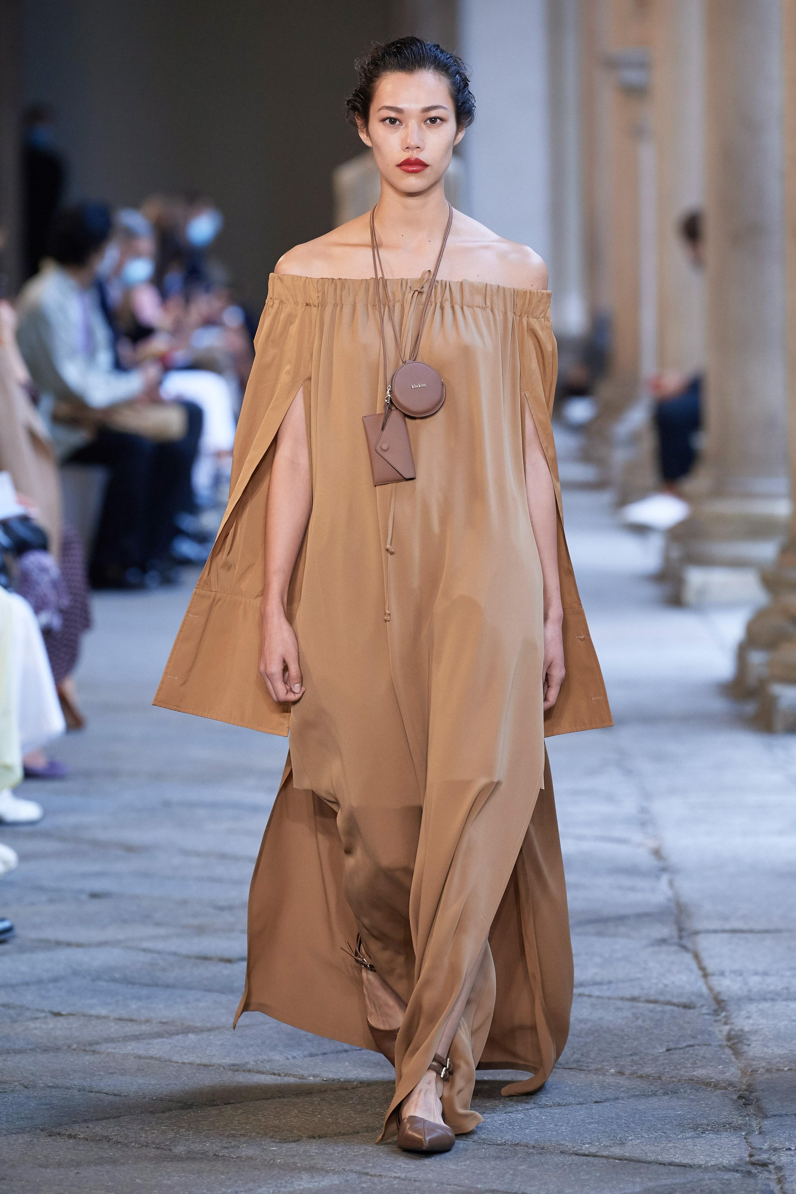 người mẫu thời trang gốc việt max mara