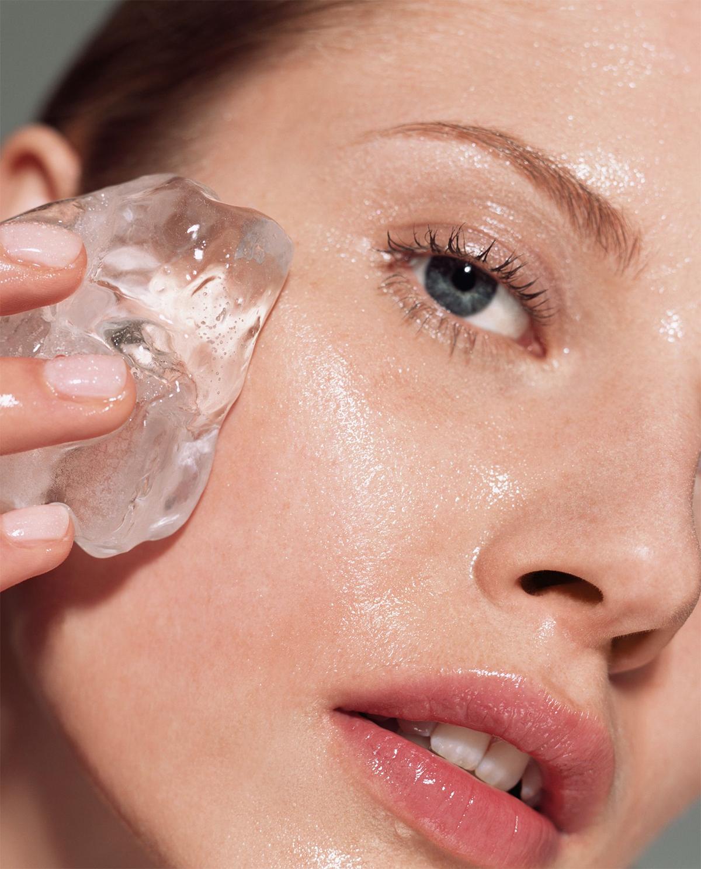 Làm dịu làn da bị kích ứng mỹ phẩm bằng những mẹo đơn giản.
