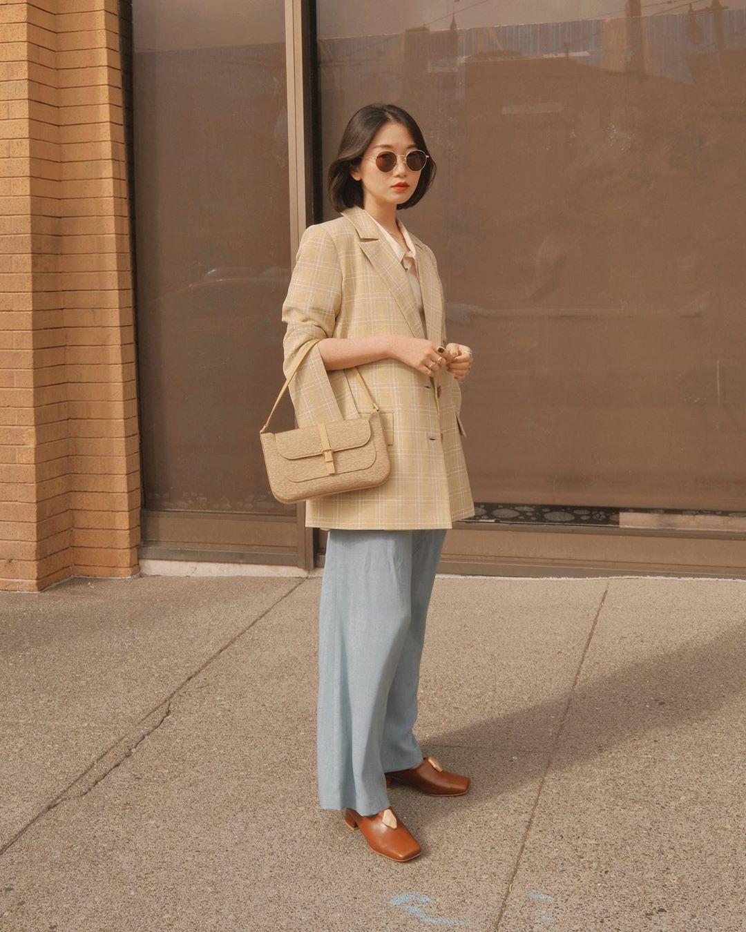 cách phối màu công sở theo tính chất công việc trang phục với những màu sắc ngọt ngào