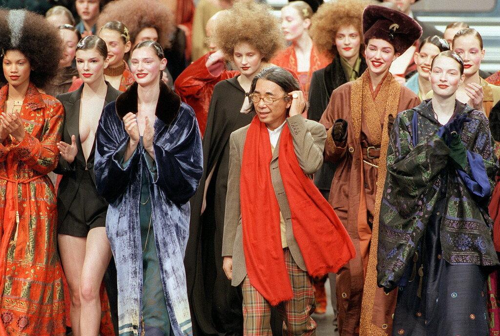 ntk kenzo takada tại buổi trình diễn thời trang thu đông 1998 ở paris