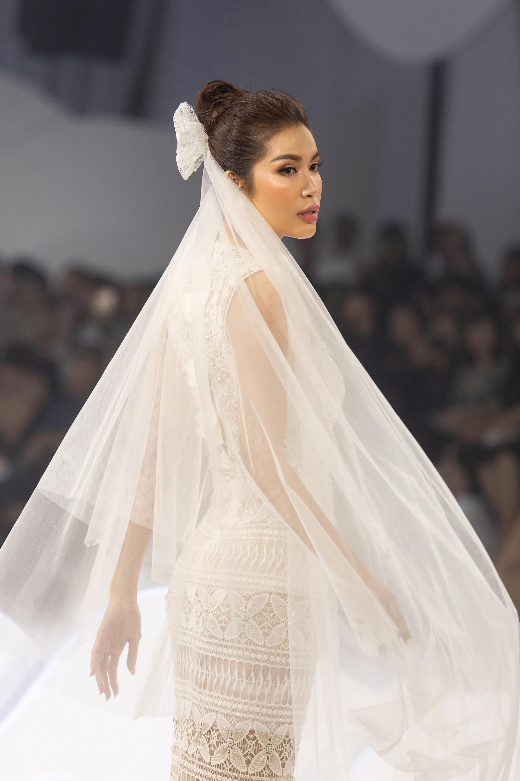 BST váy cưới Decos Bridal Fall 2020 của NTK Nguyễn Phương đông cùng vedette siêu mẫu Minh Tú