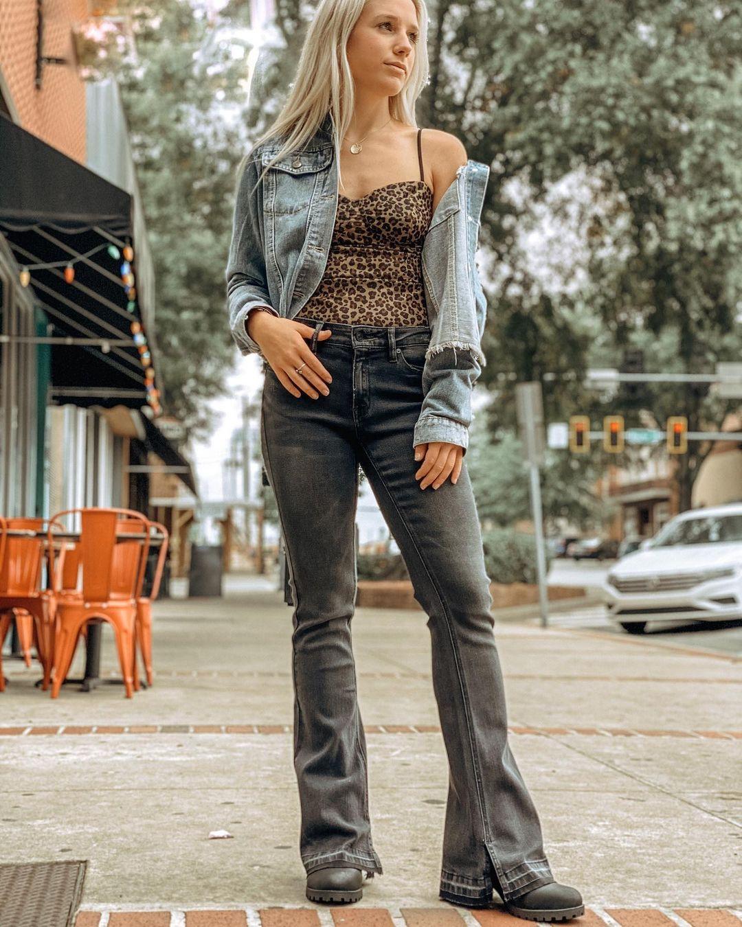 quần jeans bootcut petite